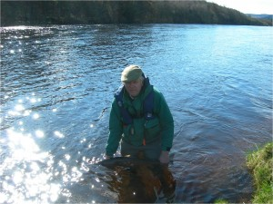 Bob Barclay safely returning his Salmon 02/04/11